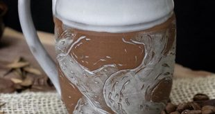 A little redclay mugs for everyone today! And a wonderful hand carved scoop by ...