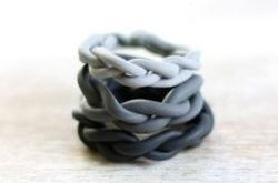 #DIY - Ombre rings made of polymer clay to stack up on your fingers.