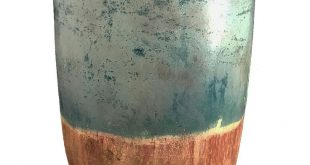 I really like the glaze on this. Use red clay and scrape a couple of underglazes...