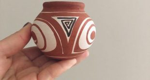 Vintage Handmade Hand Painted Southwestern Clay Pot Red Clay Pottery / Southwest Decor / Pueblo Pottery / Southwestern Pottery / Boho Decor