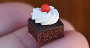 Realistic brownie with whip cream #clay #charm #charms #claycharm #claycharms