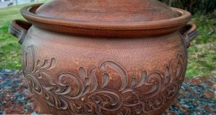 Ceramic casserole for cooking delicious food. Handmade clay clay from red clay. ...