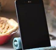 Bildergebnis für handgefertigten Handyhalter aus Keramik