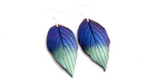 Blaue grüne Ohrringe, metallische Blätter Ohrringe aus polymer clay, Fimoohrringe, schimmernde Ohrringe, changierend, 925 er Silberhaken