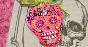 Glow in The Dark Day of The Dead Sugar Skulls