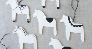 Skandinavische moderne Dala Pferdeverzierungen