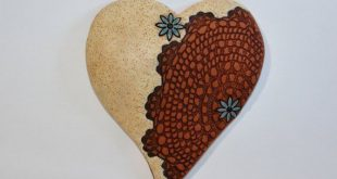 Vintage Mellow Mud Stoneware Clay Pottery Hanging Heart with Blue Flowers; 90s W...