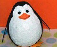 papier mache pinguin